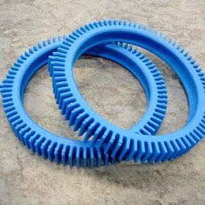 The PoolCleaner 2 wheel pool cleaner standard blue tyres